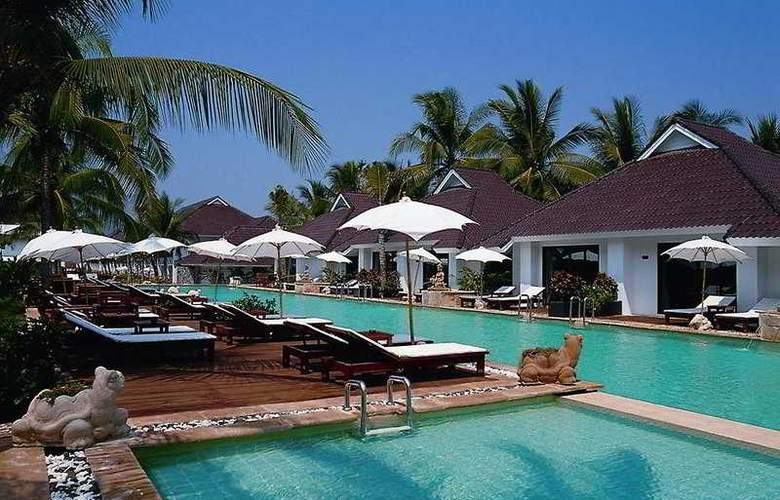 Privacy Beach Resort and Spa - Pool - 3