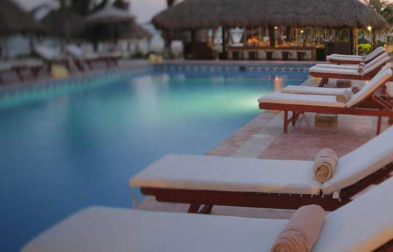 El Dorado Seaside Suites Gourmet All Inclusive - Pool - 15