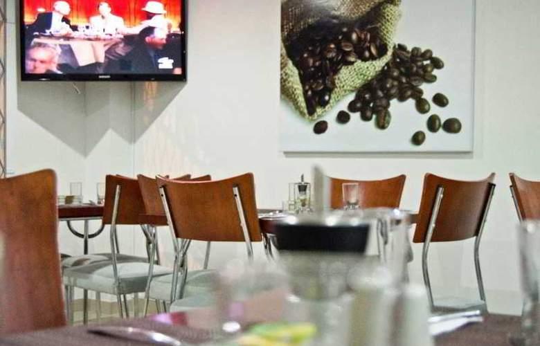 Apartahotel 122 Plaza - Restaurant - 18