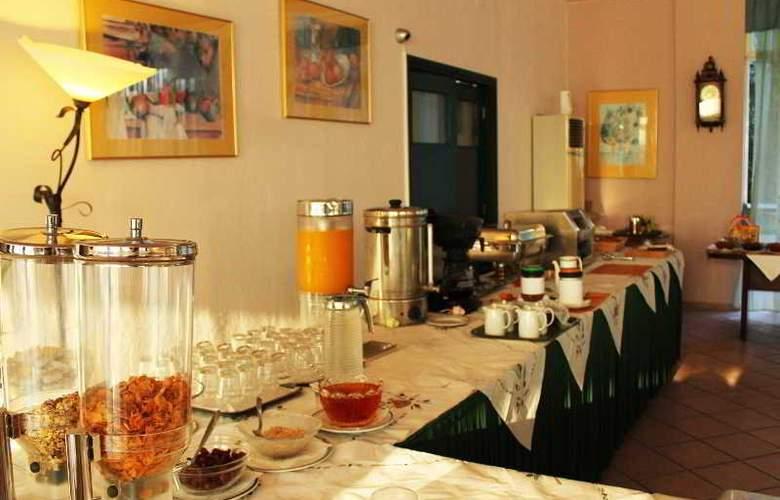 Saint Nicholas  - Restaurant - 12
