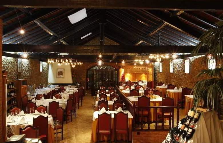Quinta Tres Pinheiros - Restaurant - 7