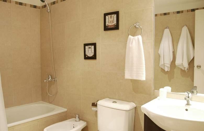 Apartamentos Coinca - Room - 2