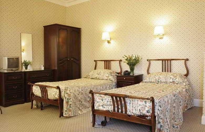 Caledonian Hotel - Room - 2