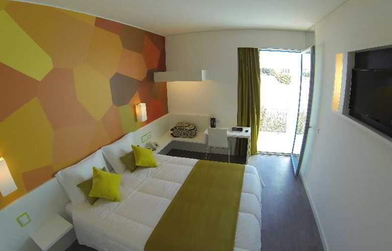3K Faro Aeroporto - Room - 1