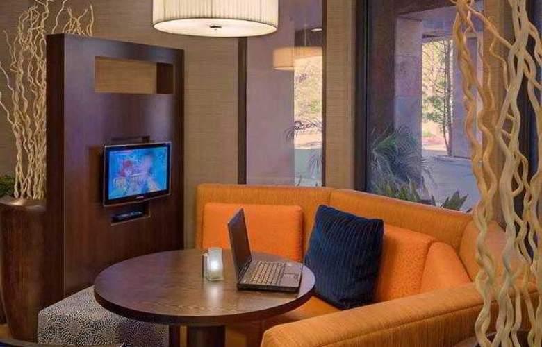 Courtyard by Marriott San Diego Carlsbad/McClellan-Palomar Airport - Hotel - 11
