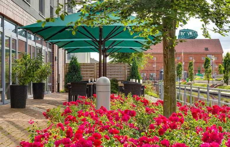 Park Inn by Radisson Papenburg - Terrace - 9