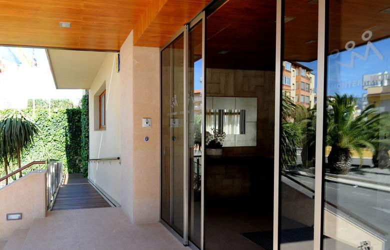 Hotel Monterrey Roses by Pierre & Vacances - Hotel - 4