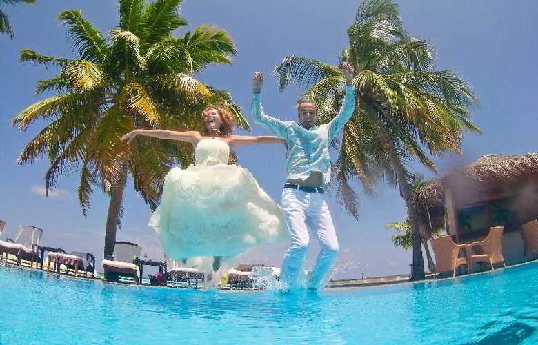 Palm Beach Resort & Spa Maldives - Hotel - 16