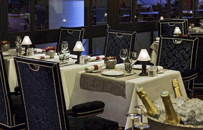 Majestic Barriere - Restaurant - 22
