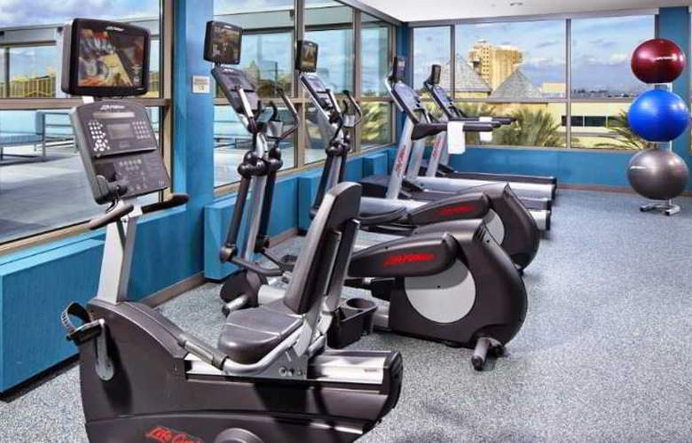 SpringHill Suites Anaheim Resort Convention Cntr - Sport - 10