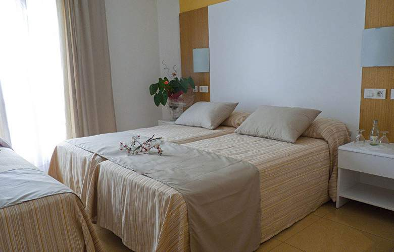 Ciutadella Hostal - Room - 3
