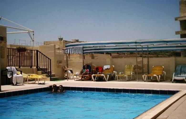 Mediterranea Hotel & Suites - Pool - 2
