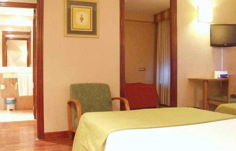 Carreño - Room - 4