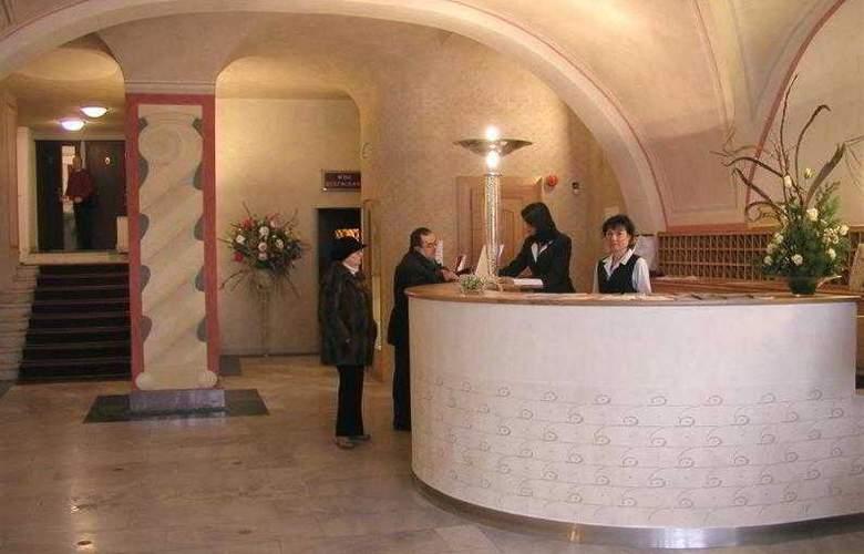 Best Western Hotel Meteor Plaza - Hotel - 17