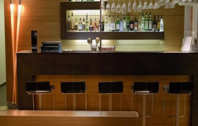 Centerhotel Plaza - Bar - 3