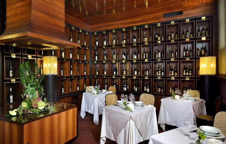 Grand Hotel Elite - Restaurant - 23