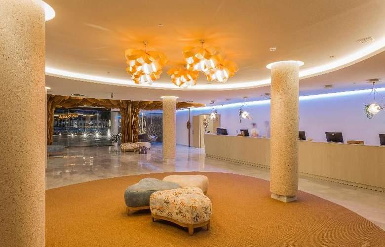 Grand Palladium White Island Resort & Spa - General - 10