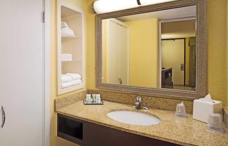 Wyndham Garden Lake Buena Vista Disney Springs Resort Area - Room - 9