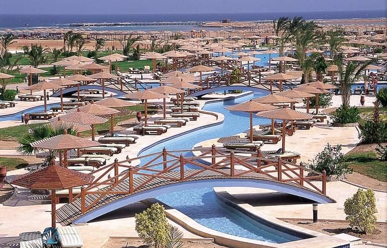 Hilton Long Beach Resort - Pool - 3