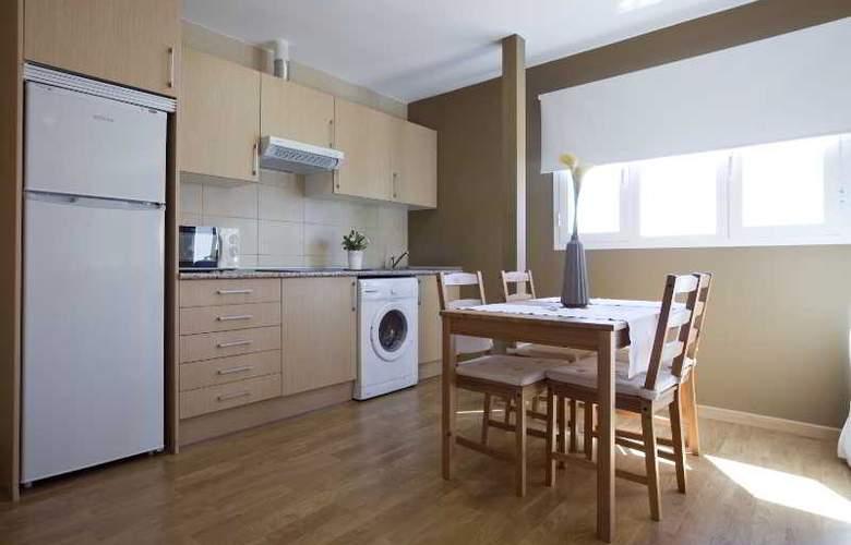 Apartamentos Numancia - Room - 2