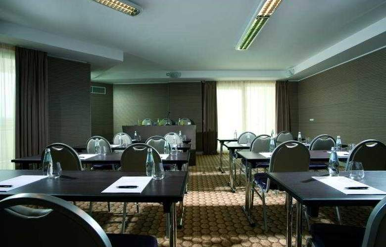 Doubletreee By Hilton - Conference - 10