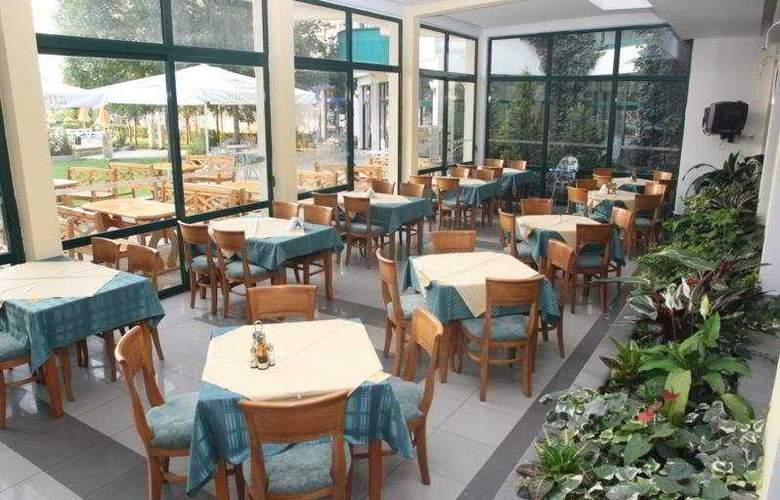 Slavyanski - Restaurant - 5