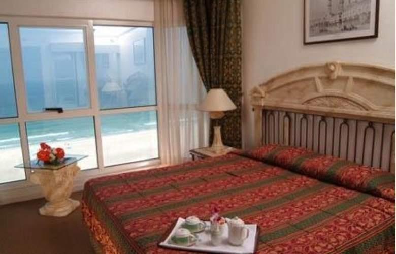 Landmark Suites Ajman - Room - 7