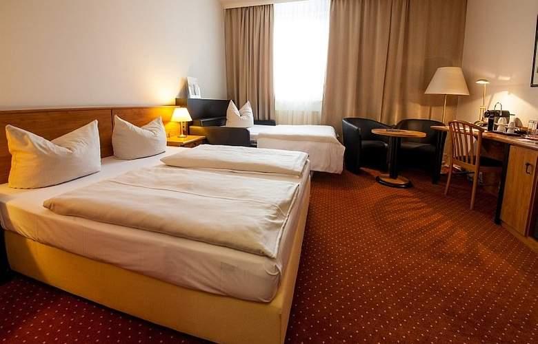Novina Sudwestpark Hotel - Room - 8