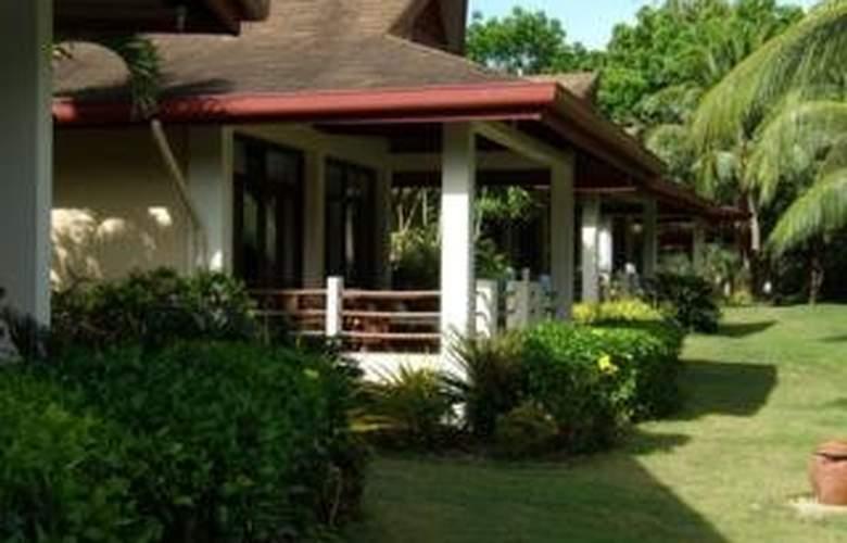 Alona Palm Beach Resort - Hotel - 0
