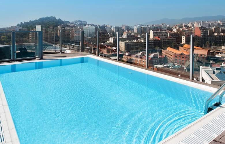 Catalonia Park Güell - Pool - 3