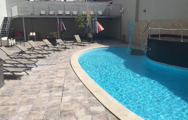 Sun Beach - Pool - 1