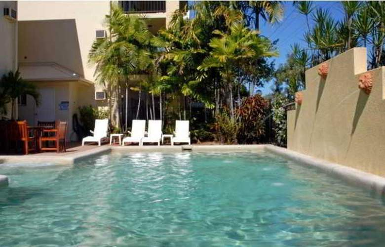 Bay Village Tropical Retreat - Pool - 11