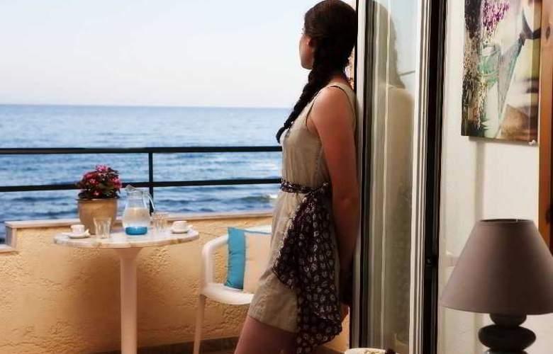 Sun Beach - Room - 1