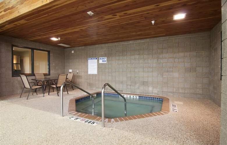 Best Western Plus Coon Rapids North Metro Hotel - Pool - 65