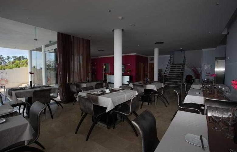 Hotel Apartamentos Baia Brava - Restaurant - 9