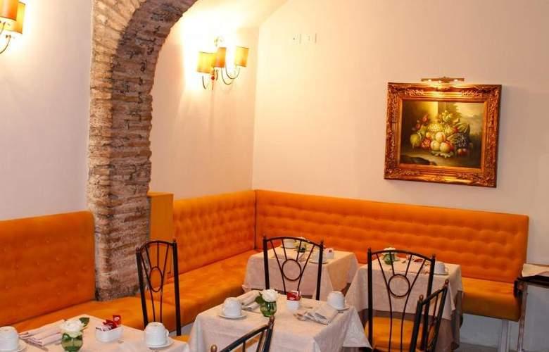 Boutique Trevi - Restaurant - 7