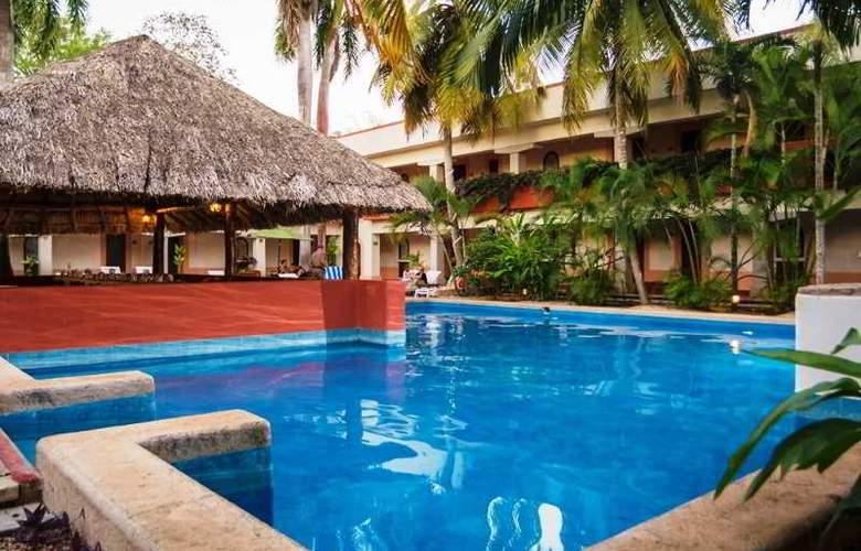 Villas Arqueológicas Chichén Itzá - Pool - 22