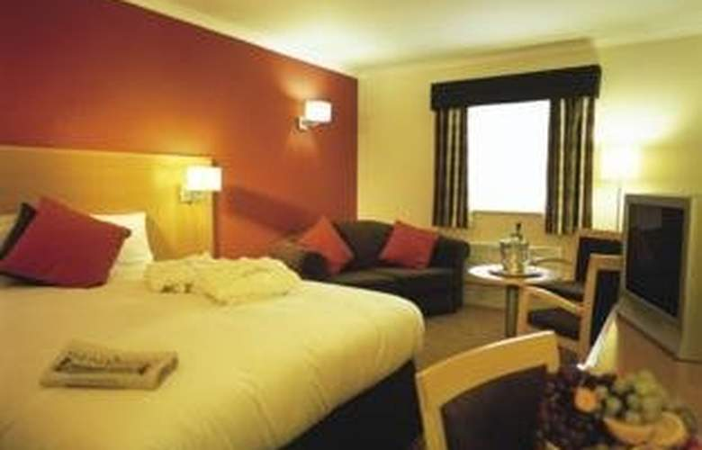 Village Manchester Hyde - Hotel & Leisure Club - Room - 0