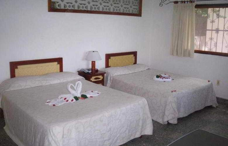 Catalina Beach Resort - Room - 5
