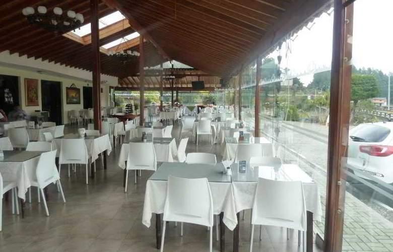 Los Recuerdos - Restaurant - 9