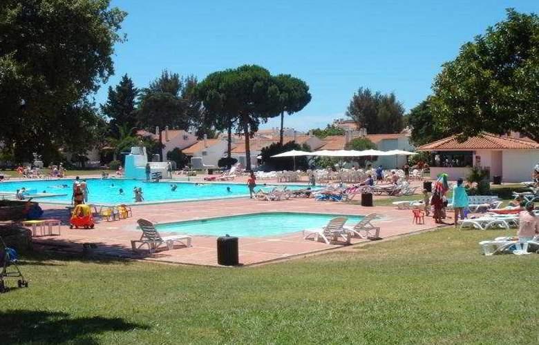 Vilanova Resort - Pool - 6