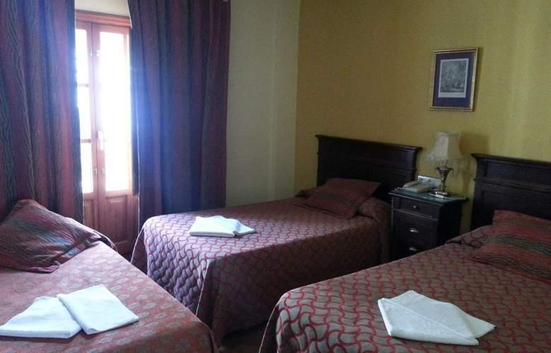 Almona - Room - 7
