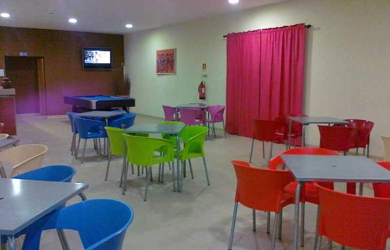 Viana Hotel - Bar - 8