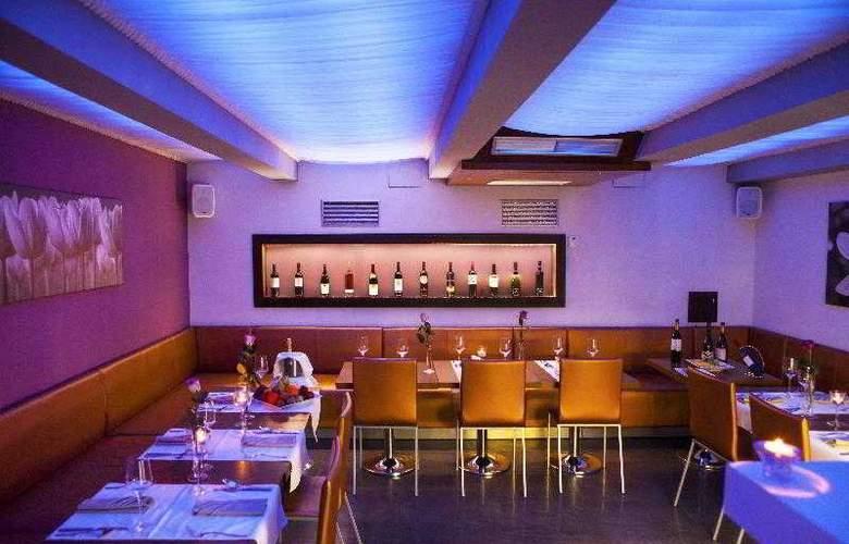 Danubia Gate - Restaurant - 22