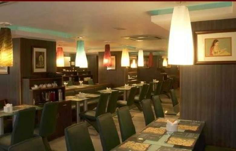 Shelton Grand - Restaurant - 3