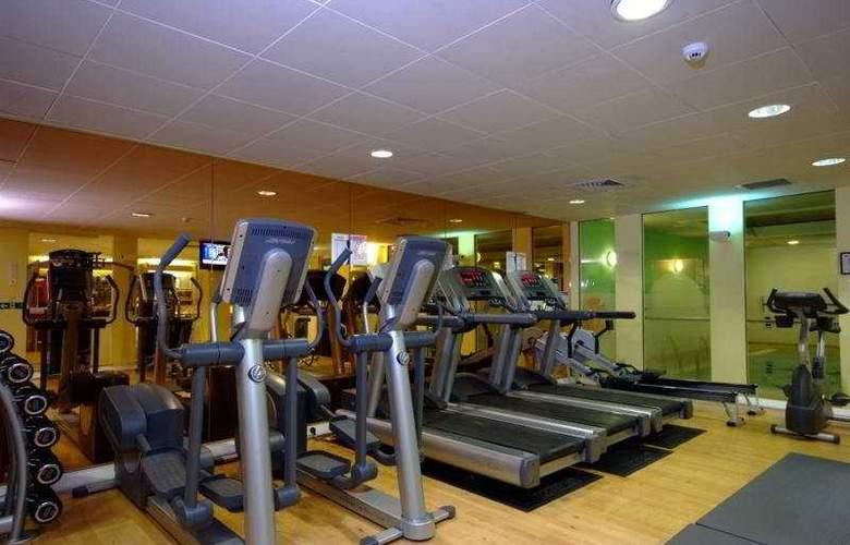 Holiday Inn Colchester - Sport - 6