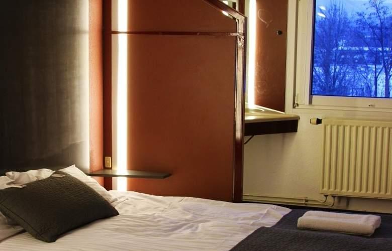 Drive Inn - Room - 2