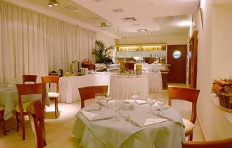 Golden City - Restaurant - 2