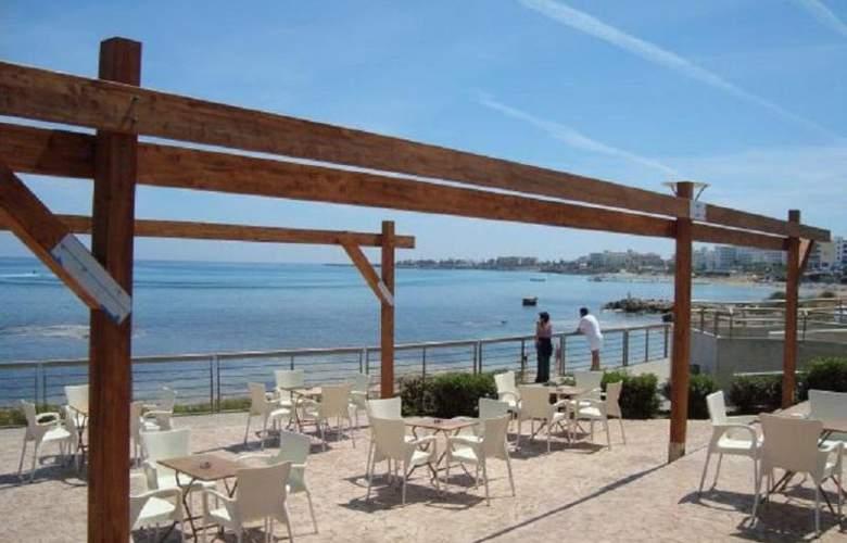 Evalena Beach Hotel Apts - Restaurant - 13