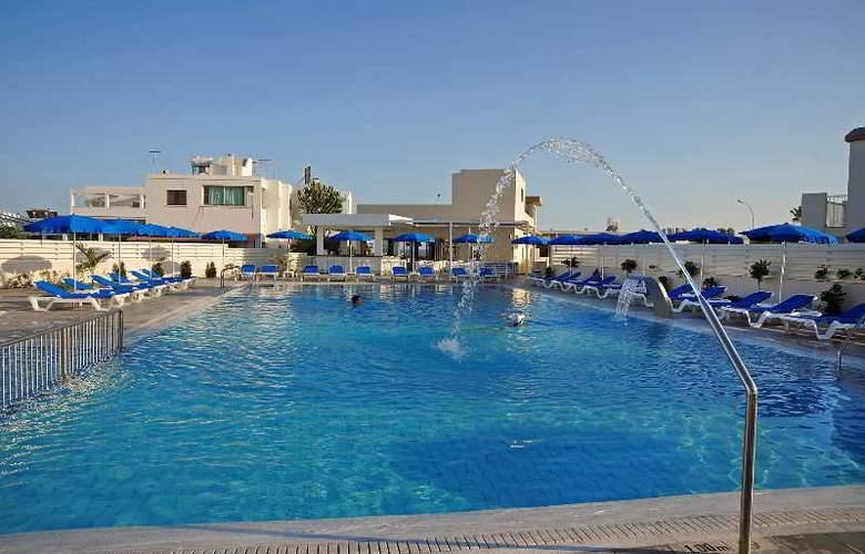 Euronapa Hotel Apartments - Pool - 7